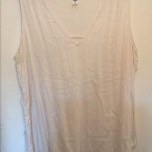 Off white sleeveless blouse XXL